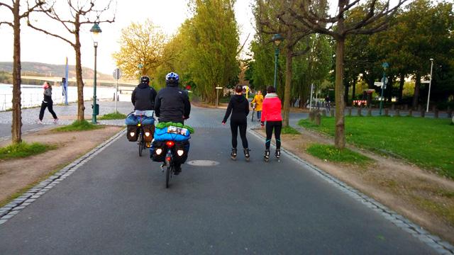ren nehri bisiklet turu bonn2